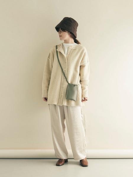 SMELLYのニュアンスカタチリングを使ったコーディネートを紹介します。|Rakuten Fashion(楽天ファッション/旧楽天ブランドアベニュー)1058760