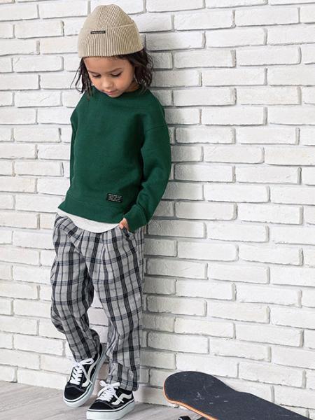 F.O.Online Storeのカラーニット帽を使ったコーディネートを紹介します。|Rakuten Fashion(楽天ファッション/旧楽天ブランドアベニュー)1058834
