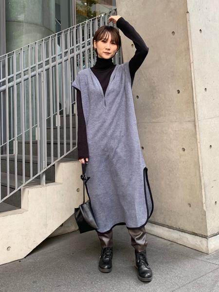 FROM FIRST MUSEEのエコレザーパンツを使ったコーディネートを紹介します。|Rakuten Fashion(楽天ファッション/旧楽天ブランドアベニュー)1059335