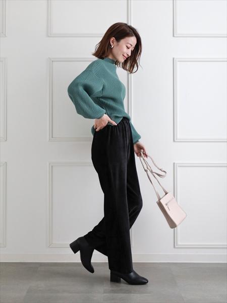 clearのベロアリブパンツを使ったコーディネートを紹介します。|Rakuten Fashion(楽天ファッション/旧楽天ブランドアベニュー)1059931