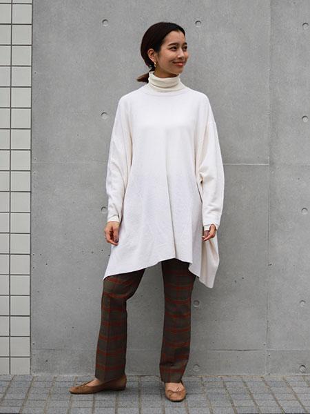 SLOBE IENAのBIGニュアンスニットP/Oを使ったコーディネートを紹介します。|Rakuten Fashion(楽天ファッション/旧楽天ブランドアベニュー)1061000