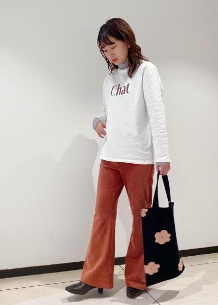 ROPE'のミニ裏毛グラフィックロングTシャツを使ったコーディネートを紹介します。|Rakuten Fashion(楽天ファッション/旧楽天ブランドアベニュー)1062143