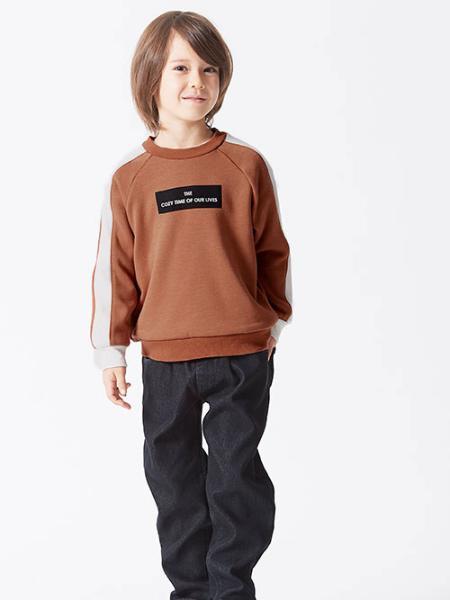 F.O.Online Storeの袖ライントレーナー_裏シャギーを使ったコーディネートを紹介します。|Rakuten Fashion(楽天ファッション/旧楽天ブランドアベニュー)1062284