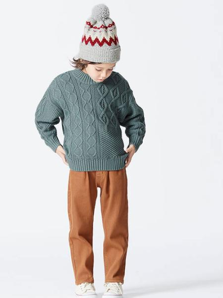 F.O.Online Storeのラフ起毛あったかストレートパンツ 10分丈 10分丈を使ったコーディネートを紹介します。|Rakuten Fashion(楽天ファッション/旧楽天ブランドアベニュー)1062289