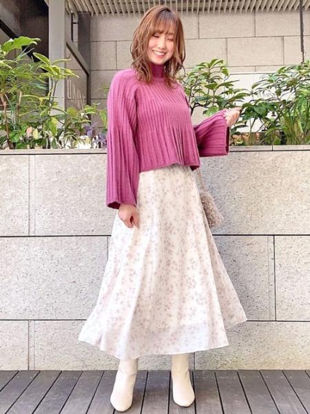 Noelaのコンビフラワーロングスカートを使ったコーディネートを紹介します。 Rakuten Fashion(楽天ファッション/旧楽天ブランドアベニュー)1062535