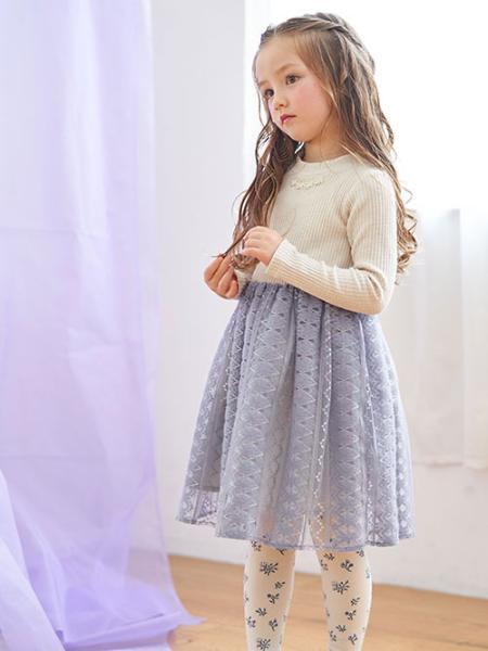 F.O.Online Storeの花柄タイツを使ったコーディネートを紹介します。|Rakuten Fashion(楽天ファッション/旧楽天ブランドアベニュー)1062551