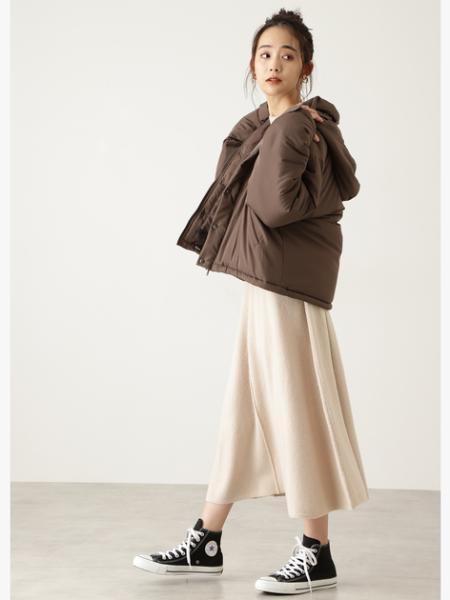 N. Natural Beauty Basic*のボリュームスリーブフレアニットワンピースを使ったコーディネートを紹介します。|Rakuten Fashion(楽天ファッション/旧楽天ブランドアベニュー)1063033