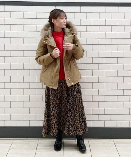 B:MING LIFE STORE by BEAMSのB:MING by BEAMS / フラワープリント フレア スカートを使ったコーディネートを紹介します。|Rakuten Fashion(楽天ファッション/旧楽天ブランドアベニュー)1063104