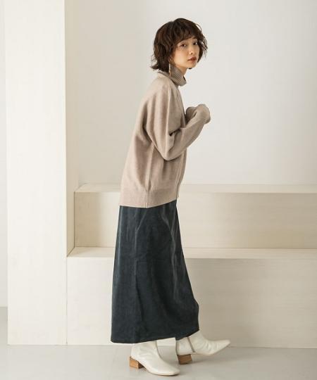 KBFのアウトリンキングBACKスリットハイネックニットを使ったコーディネートを紹介します。|Rakuten Fashion(楽天ファッション/旧楽天ブランドアベニュー)1063532