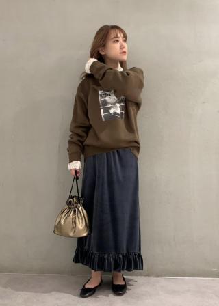 ROPE'の【Life for mademoiselle】別注フォトプリントスウェットを使ったコーディネートを紹介します。 Rakuten Fashion(楽天ファッション/旧楽天ブランドアベニュー)1063878