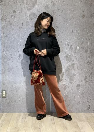 ROPE'の【Life for mademoiselle】別注フォトプリントスウェットを使ったコーディネートを紹介します。|Rakuten Fashion(楽天ファッション/旧楽天ブランドアベニュー)1064213