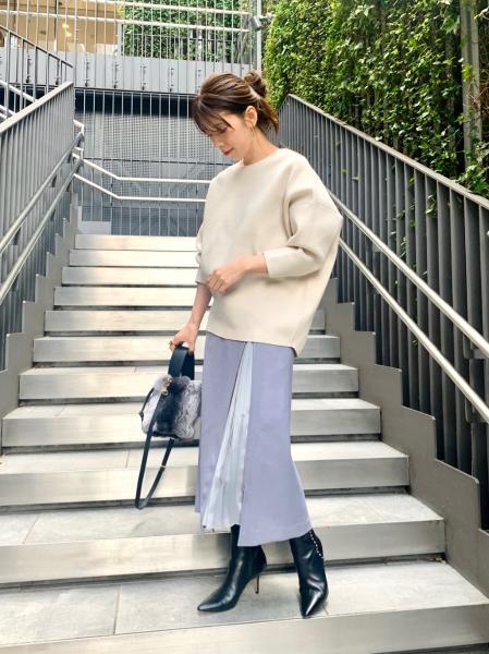 NOBLEのサイドプリーツジップスカートを使ったコーディネートを紹介します。|Rakuten Fashion(楽天ファッション/旧楽天ブランドアベニュー)1063735