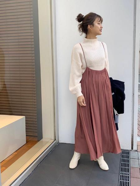 URBAN RESEARCHのボトルネックリブニットを使ったコーディネートを紹介します。|Rakuten Fashion(楽天ファッション/旧楽天ブランドアベニュー)1064481