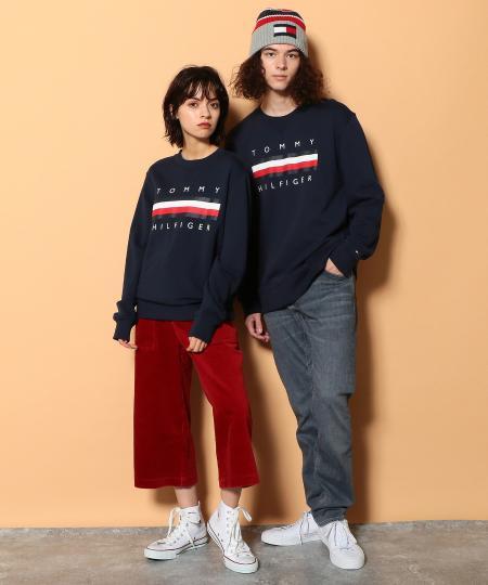 TOMMY HILFIGERの【オンライン限定】ロゴスウェット/GLOBAL LOGO CREW を使ったコーディネートを紹介します。|Rakuten Fashion(楽天ファッション/旧楽天ブランドアベニュー)1064725