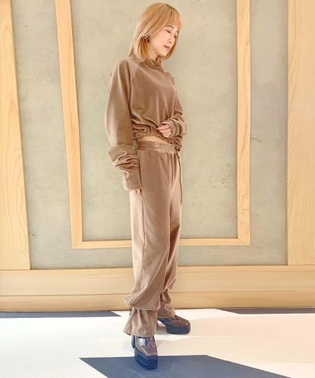 grapevine by k3のG.V.G.V./(W)CORDUROY JERSEY TROUSERSを使ったコーディネートを紹介します。|Rakuten Fashion(楽天ファッション/旧楽天ブランドアベニュー)1064886