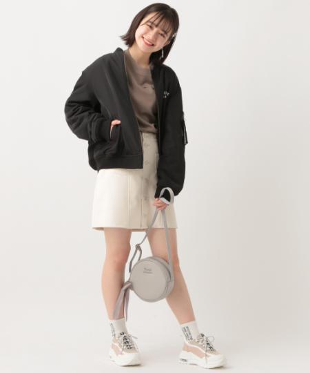 repipi armarioのFレザーマエボタンスカパンを使ったコーディネートを紹介します。 Rakuten Fashion(楽天ファッション/旧楽天ブランドアベニュー)1064988