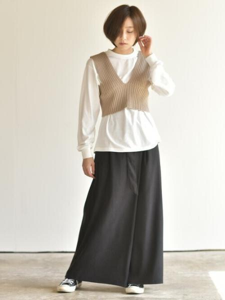 rpsの(W)リブレースアップビスチェ+Tシャツアンサンブルを使ったコーディネートを紹介します。|Rakuten Fashion(楽天ファッション/旧楽天ブランドアベニュー)1065261