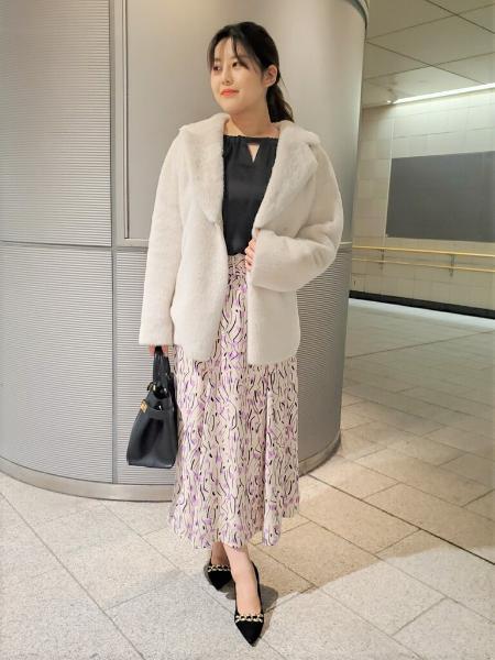 PINKY&DIANNEの◆サテンバックリボンブラウスを使ったコーディネートを紹介します。|Rakuten Fashion(楽天ファッション/旧楽天ブランドアベニュー)1067300