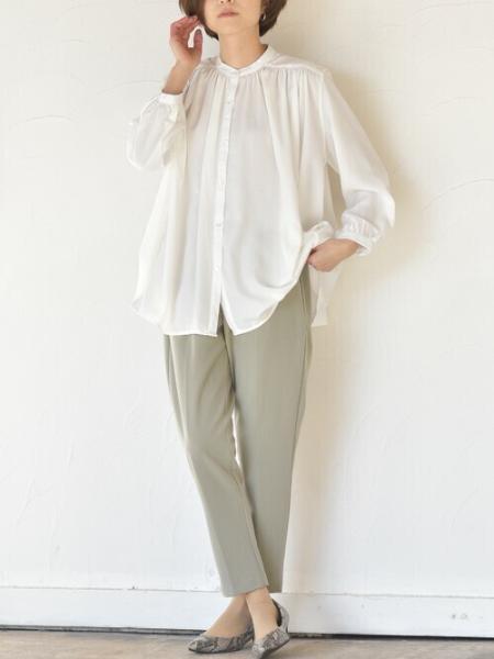 rpsの(W)たっぷりギャザーノーカラーフレアー長袖ブラウスを使ったコーディネートを紹介します。|Rakuten Fashion(楽天ファッション/旧楽天ブランドアベニュー)1067989