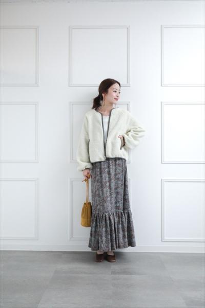 clearの小花柄ティアードスカートを使ったコーディネートを紹介します。|Rakuten Fashion(楽天ファッション/旧楽天ブランドアベニュー)1068046
