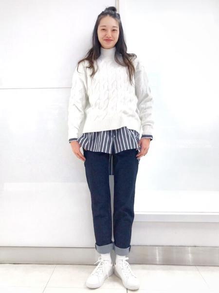 GAPの(W)スタンドカラーシャツを使ったコーディネートを紹介します。|Rakuten Fashion(楽天ファッション/旧楽天ブランドアベニュー)1069370