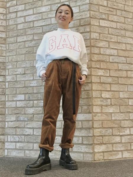 GAPの(W)厚手gapロゴ クルーネックスウェットを使ったコーディネートを紹介します。|Rakuten Fashion(楽天ファッション/旧楽天ブランドアベニュー)1069448