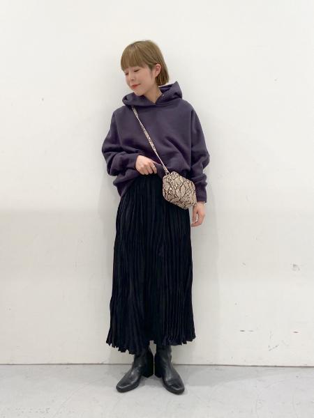 LAKOLEの(W)レザーチョウスクエアSDを使ったコーディネートを紹介します。|Rakuten Fashion(楽天ファッション/旧楽天ブランドアベニュー)1071531