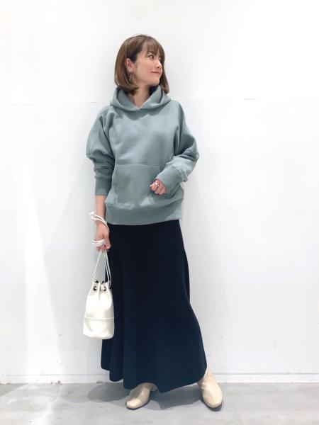 LAKOLEの(W)ブラッシュフーディを使ったコーディネートを紹介します。|Rakuten Fashion(楽天ファッション/旧楽天ブランドアベニュー)1071567