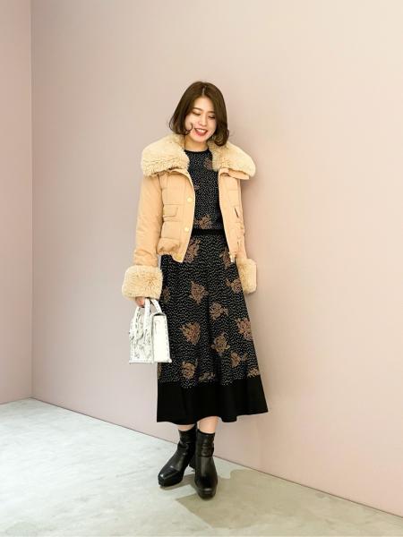 GRACE CONTINENTALのMini Shootingstarを使ったコーディネートを紹介します。 Rakuten Fashion(楽天ファッション/旧楽天ブランドアベニュー)1071748