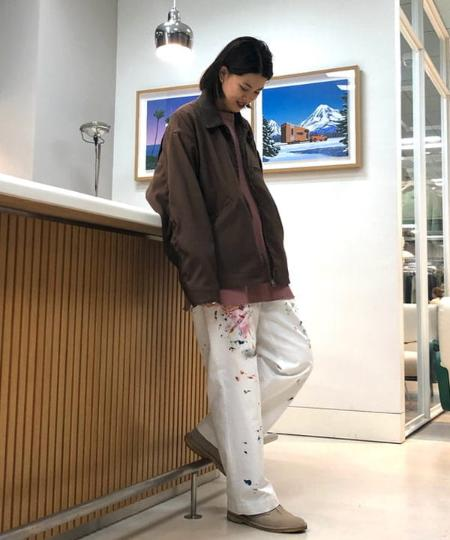 BEAMS MENのBEAMS / ペイント ワイド チノパンツを使ったコーディネートを紹介します。|Rakuten Fashion(楽天ファッション/旧楽天ブランドアベニュー)1072349