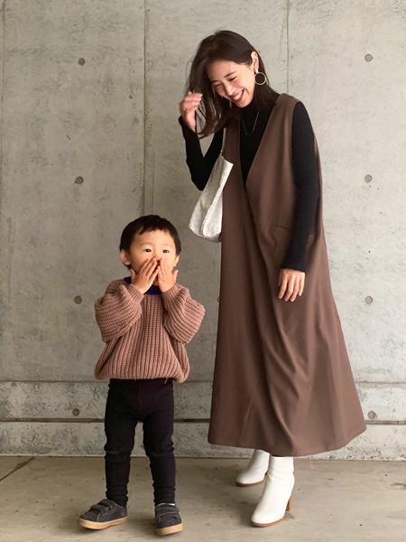 FROM FIRST MUSEEのVネックジャンスカを使ったコーディネートを紹介します。 Rakuten Fashion(楽天ファッション/旧楽天ブランドアベニュー)1072505