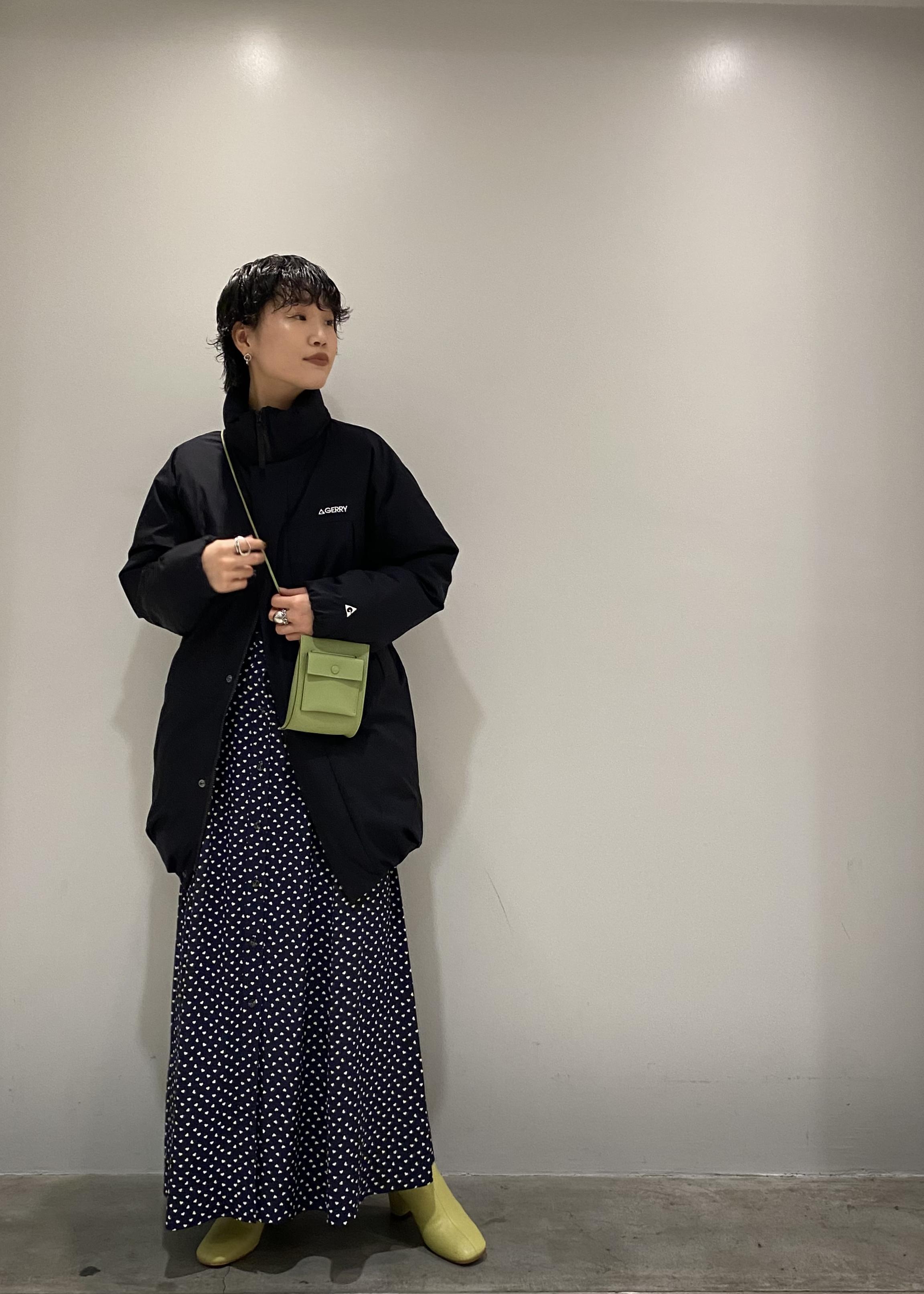 ADAM ET ROPE'のブロックヒールミディ丈ブーツを使ったコーディネートを紹介します。 Rakuten Fashion(楽天ファッション/旧楽天ブランドアベニュー)1075252
