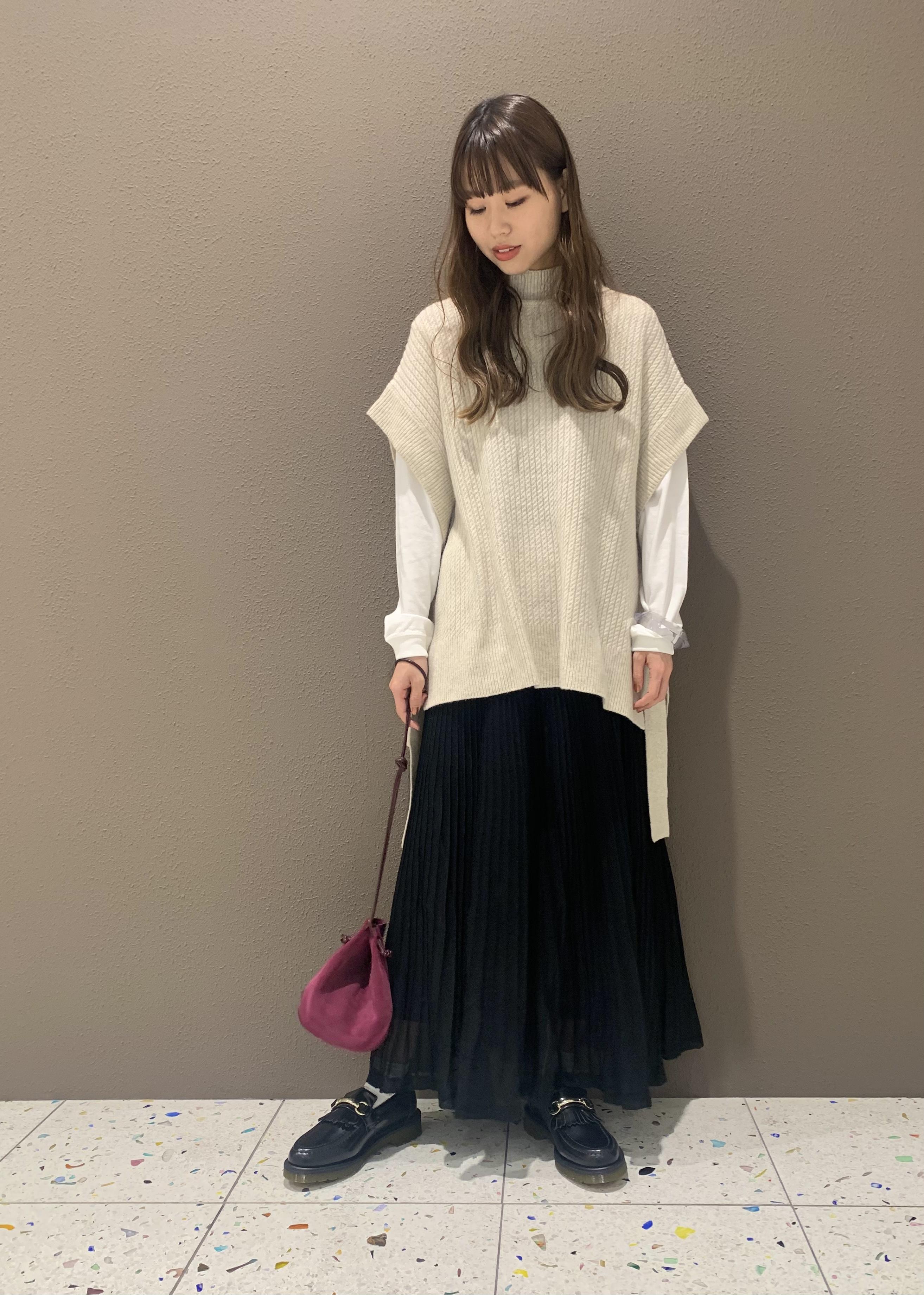 ADAM ET ROPE'のエアウールルーズベストを使ったコーディネートを紹介します。 Rakuten Fashion(楽天ファッション/旧楽天ブランドアベニュー)1075298