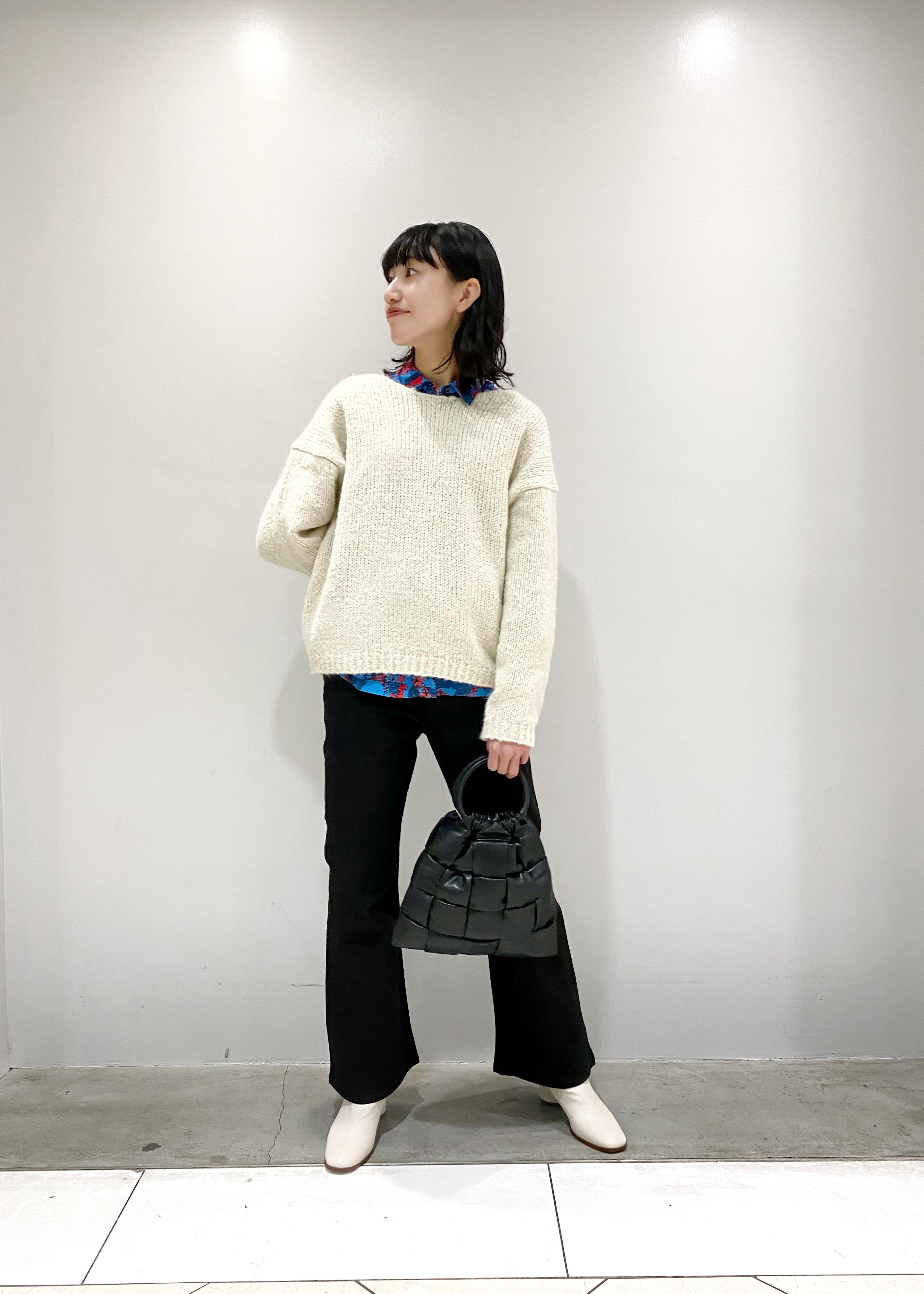 ADAM ET ROPE'のローゲージモヘヤ混プルオーバーを使ったコーディネートを紹介します。 Rakuten Fashion(楽天ファッション/旧楽天ブランドアベニュー)1074484