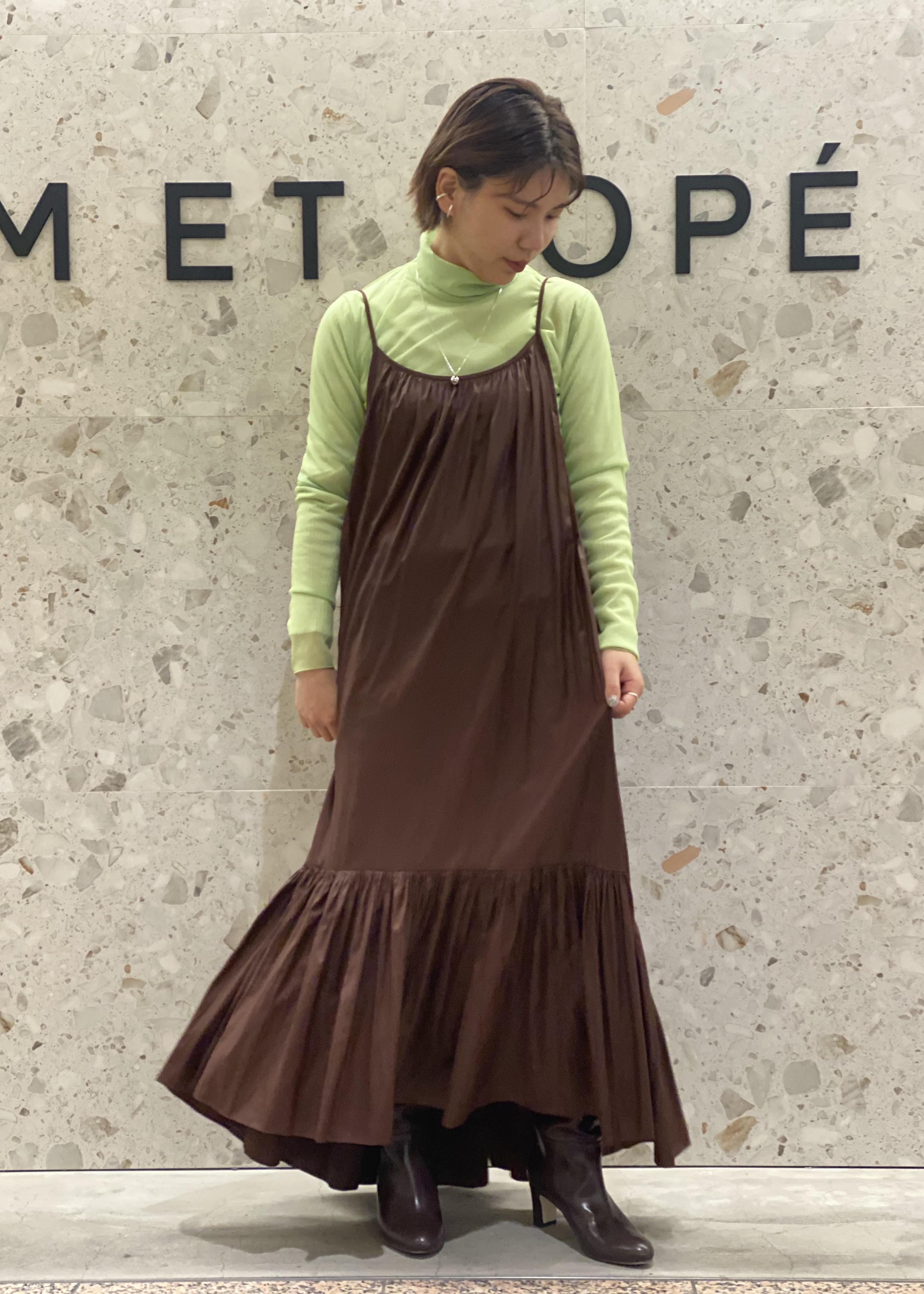 ADAM ET ROPE'のシアーメローシフォンタートルを使ったコーディネートを紹介します。|Rakuten Fashion(楽天ファッション/旧楽天ブランドアベニュー)1075192