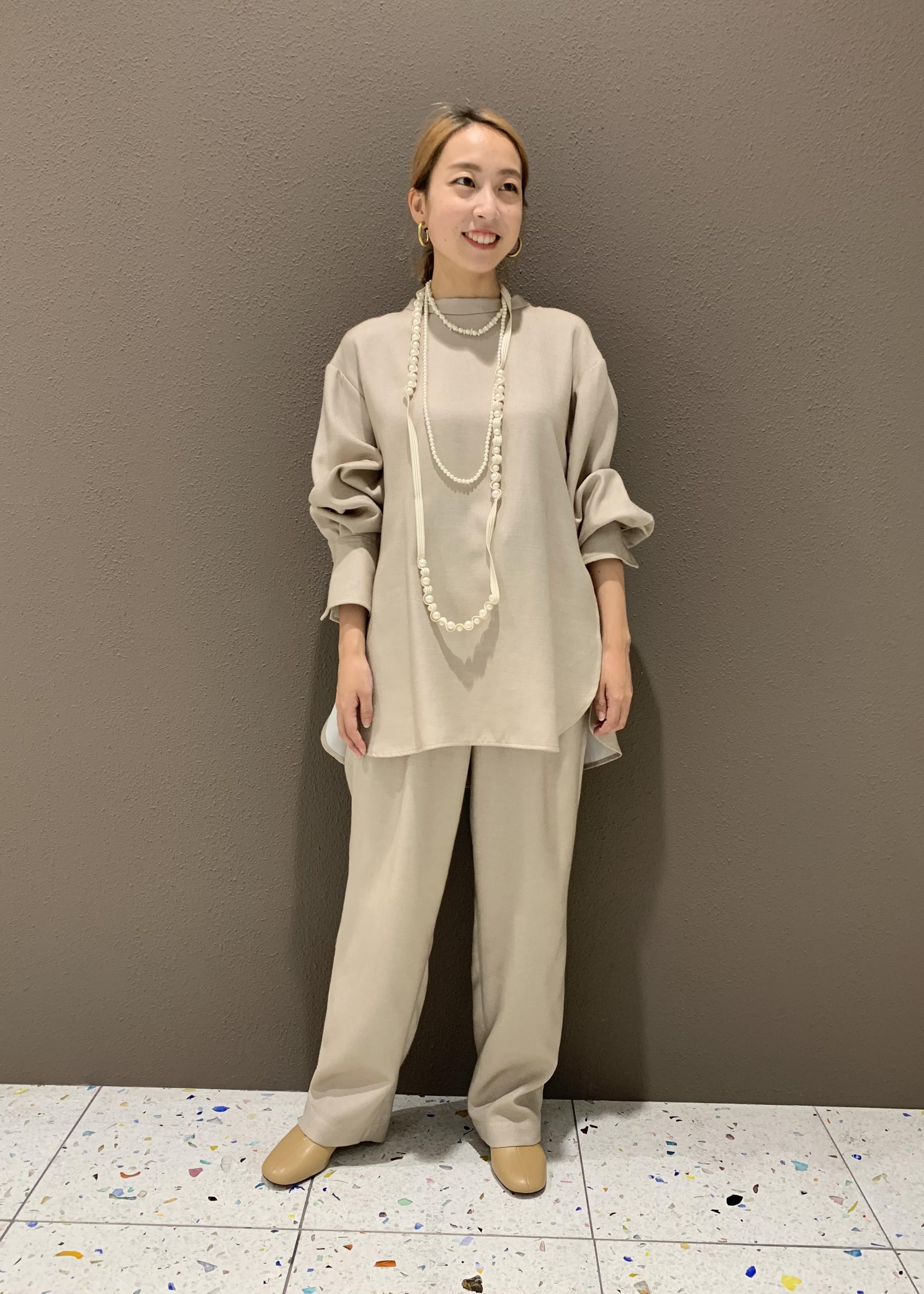 ADAM ET ROPE'の【セットアップ対応】TRツイルドレープスラックスを使ったコーディネートを紹介します。|Rakuten Fashion(楽天ファッション/旧楽天ブランドアベニュー)1076854