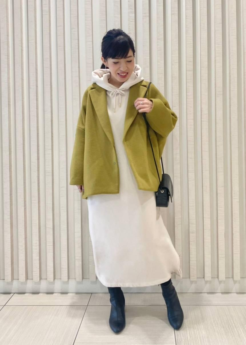 ROPE' PICNICの【WEB限定カラー:キナリ・ライトグリーン】プチスクエアメタルフラップミニショルダーバッグを使ったコーディネートを紹介します。|Rakuten Fashion(楽天ファッション/旧楽天ブランドアベニュー)1077414
