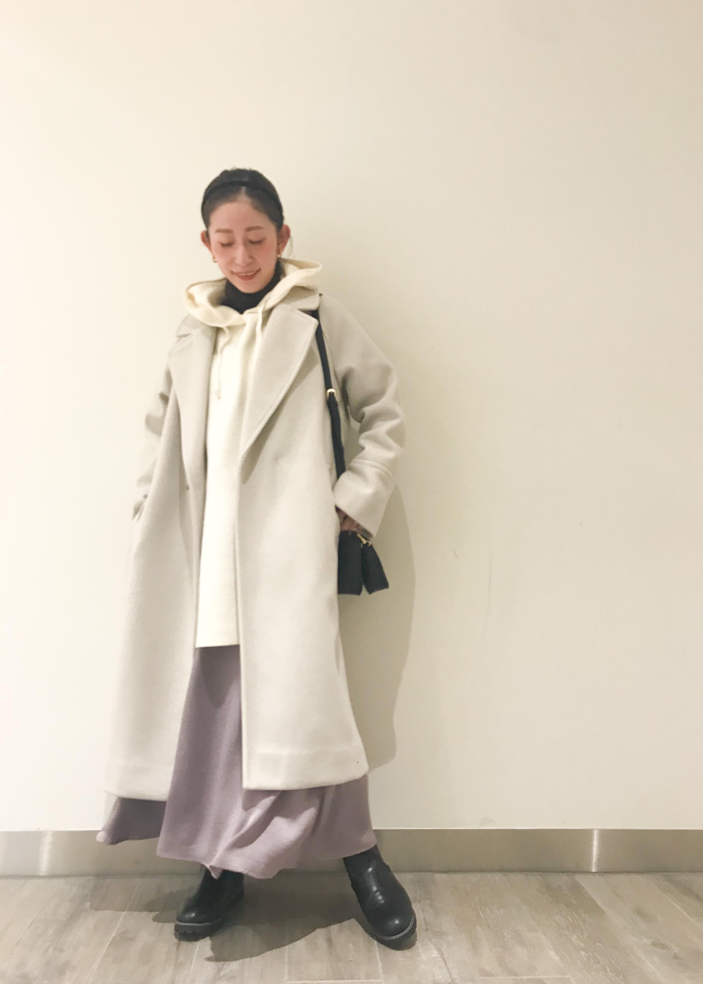 ROPE' PICNICのサテンナロースカートを使ったコーディネートを紹介します。 Rakuten Fashion(楽天ファッション/旧楽天ブランドアベニュー)1077726