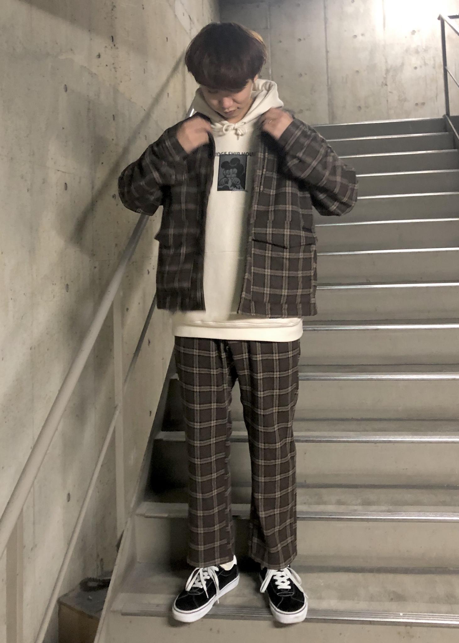 JUNRedのBRIDGE SHIP HOUSExJUNRed コラボパーカーを使ったコーディネートを紹介します。|Rakuten Fashion(楽天ファッション/旧楽天ブランドアベニュー)1078207