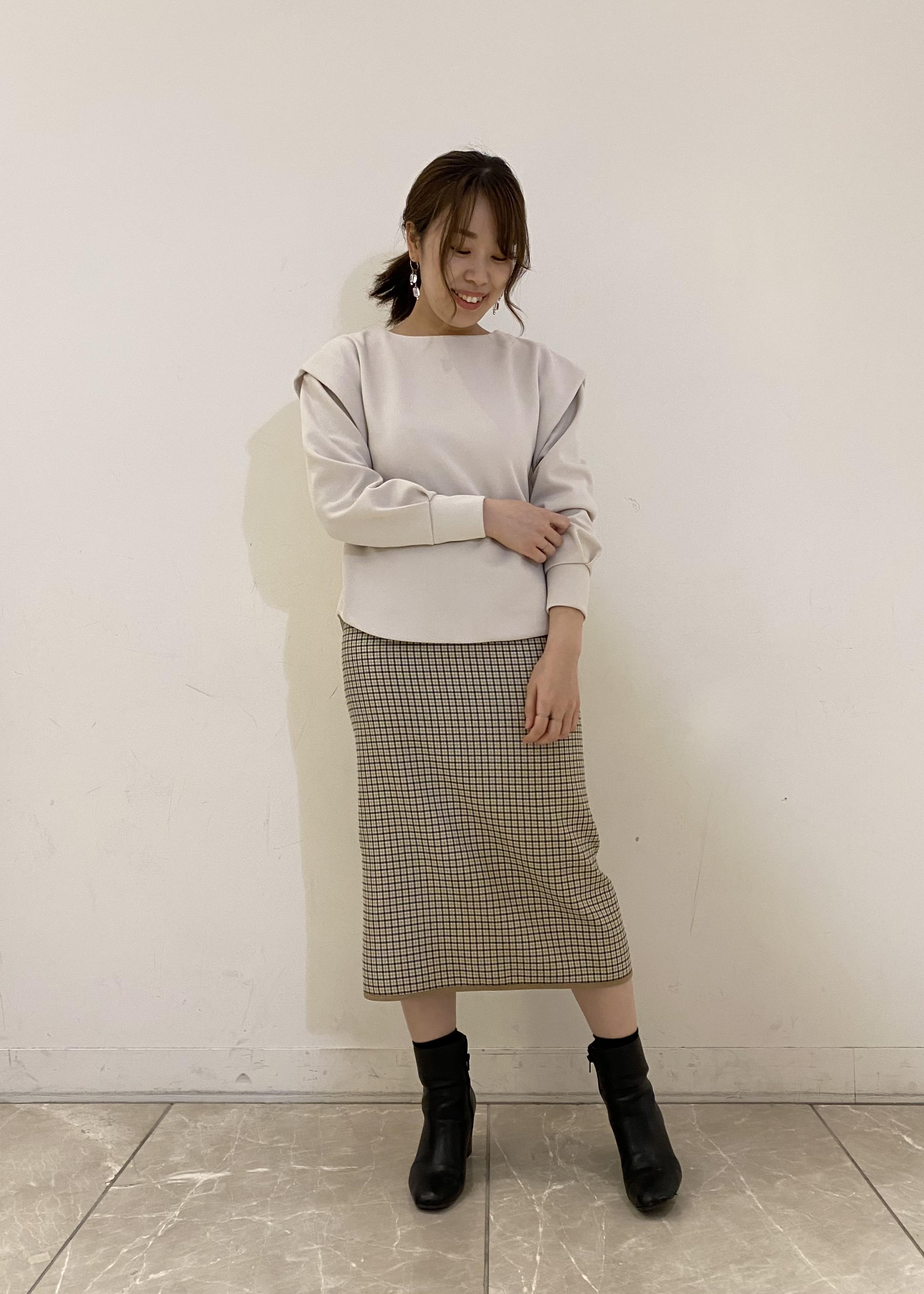 SALON adam et rope'のショルダータックバックジッププルオーバーを使ったコーディネートを紹介します。|Rakuten Fashion(楽天ファッション/旧楽天ブランドアベニュー)1077882