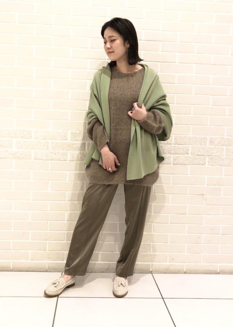 SALON adam et rope'のリラックステーパードパンツを使ったコーディネートを紹介します。|Rakuten Fashion(楽天ファッション/旧楽天ブランドアベニュー)1077900