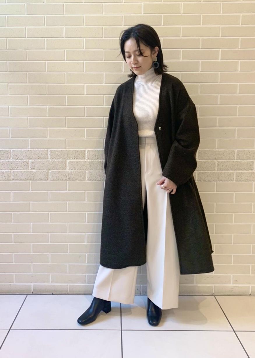 SALON adam et rope'の軽暖Vネックロングコートを使ったコーディネートを紹介します。|Rakuten Fashion(楽天ファッション/旧楽天ブランドアベニュー)1077920