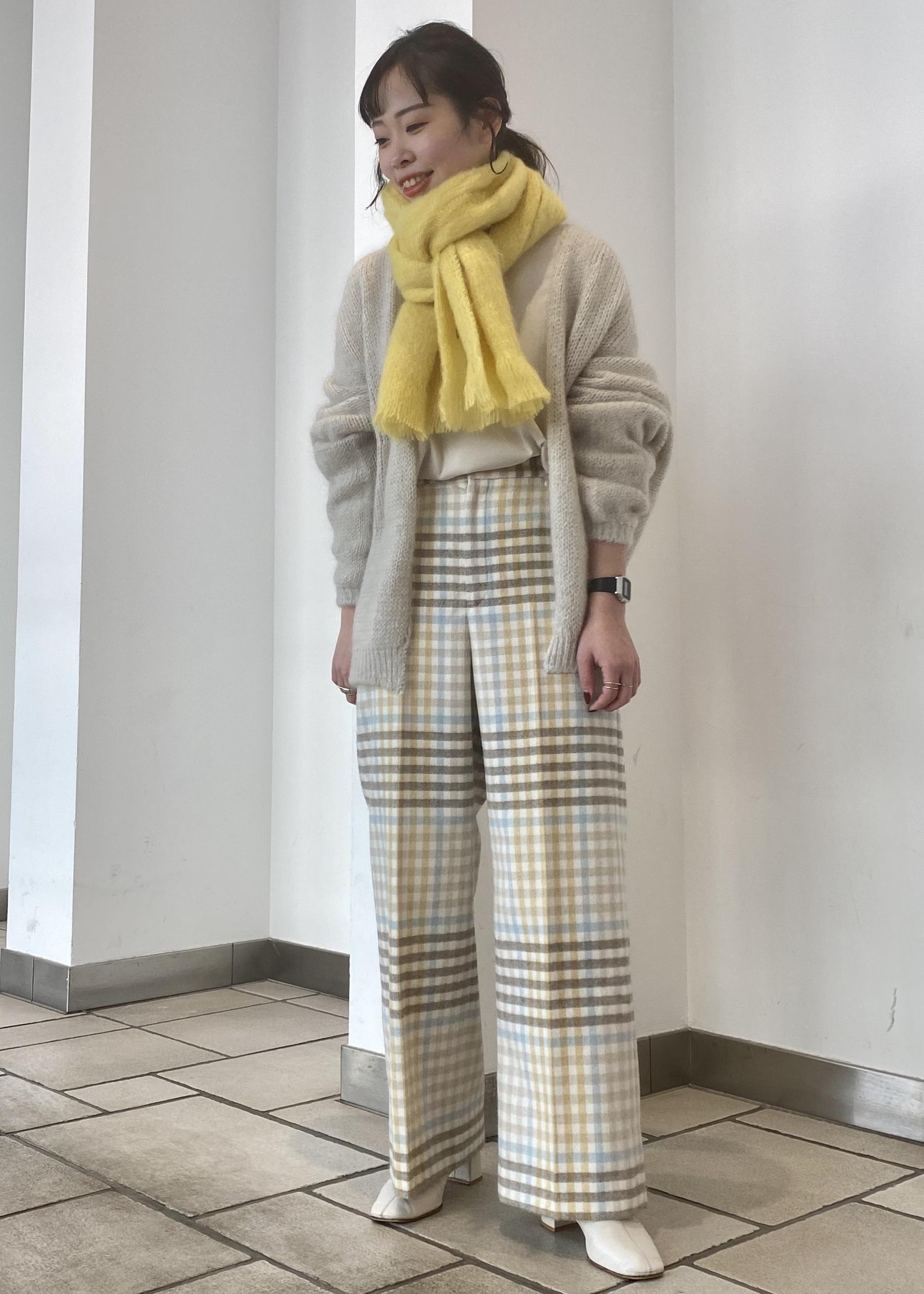 SALON adam et rope'の【ドラマ着用】ふわふわタッチホールガーメントニットカーディガンを使ったコーディネートを紹介します。|Rakuten Fashion(楽天ファッション/旧楽天ブランドアベニュー)1077970