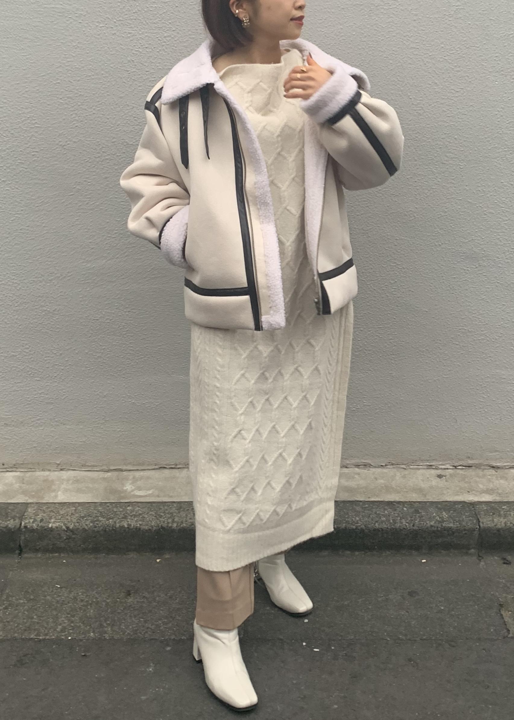 ViSのポンチピンタックフレアパンツを使ったコーディネートを紹介します。|Rakuten Fashion(楽天ファッション/旧楽天ブランドアベニュー)1078673