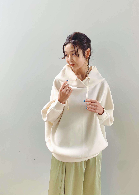 ViSのサテンキャミワンピースを使ったコーディネートを紹介します。|Rakuten Fashion(楽天ファッション/旧楽天ブランドアベニュー)1078493