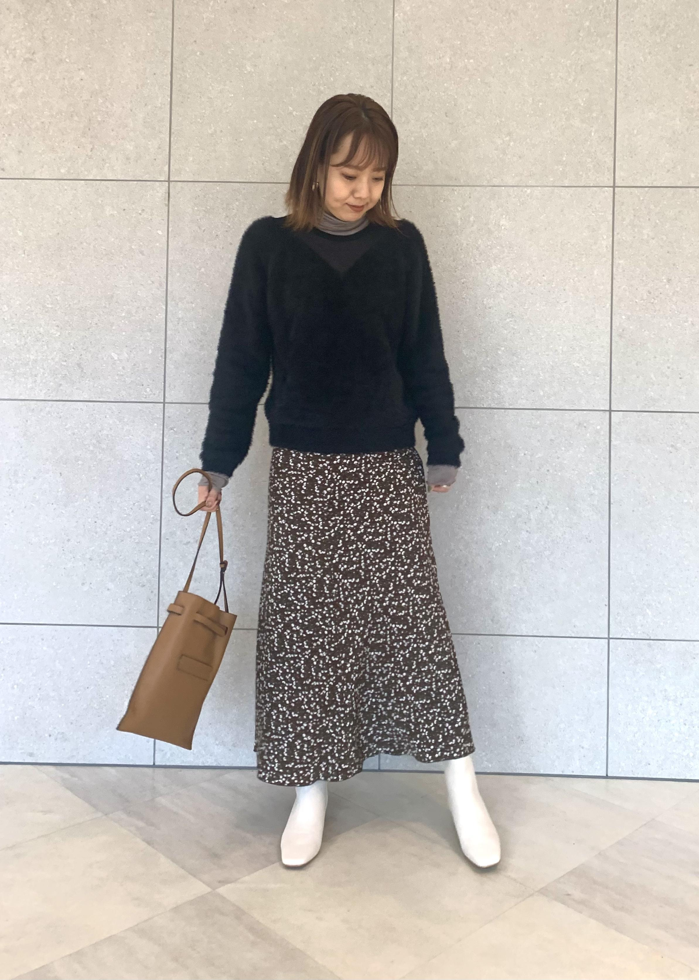 ROPE'のシアーコンビフェザープルオーバーを使ったコーディネートを紹介します。|Rakuten Fashion(楽天ファッション/旧楽天ブランドアベニュー)1078848
