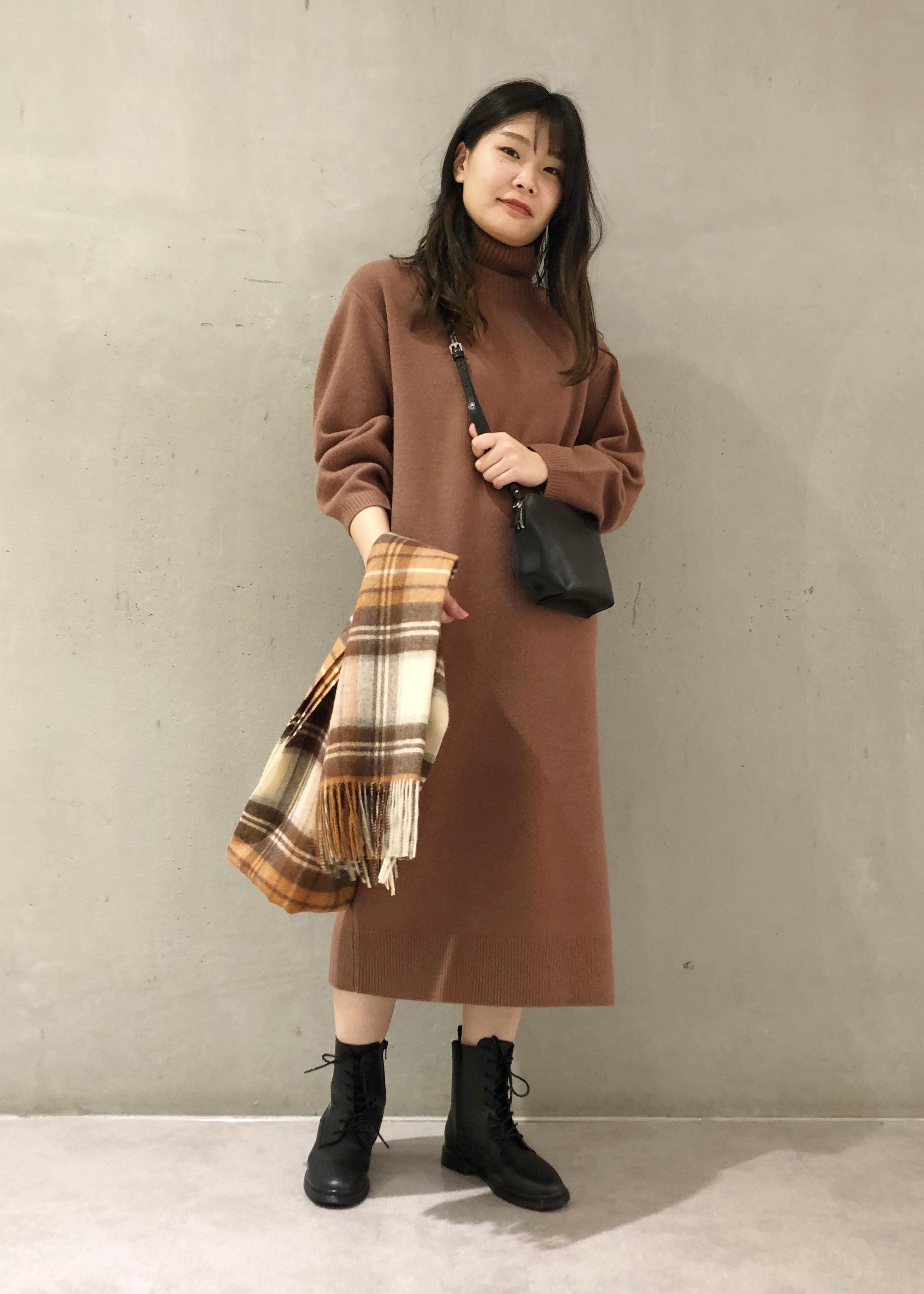 ROPE'のサイドファスナーレースアップショートブーツを使ったコーディネートを紹介します。 Rakuten Fashion(楽天ファッション/旧楽天ブランドアベニュー)1078897