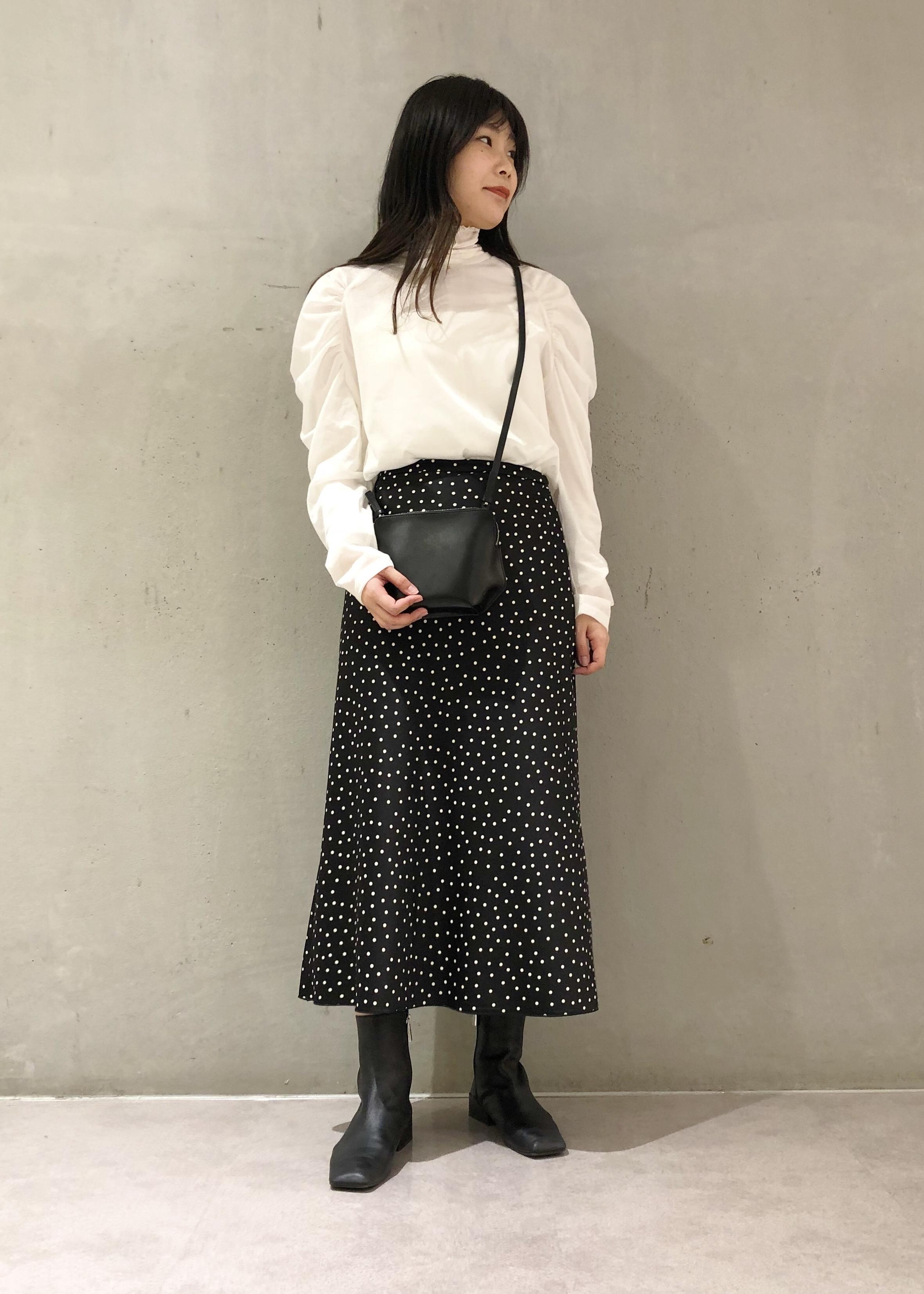ROPE'のソフトアウトシームシアーハイネックプルオーバーを使ったコーディネートを紹介します。|Rakuten Fashion(楽天ファッション/旧楽天ブランドアベニュー)1078803