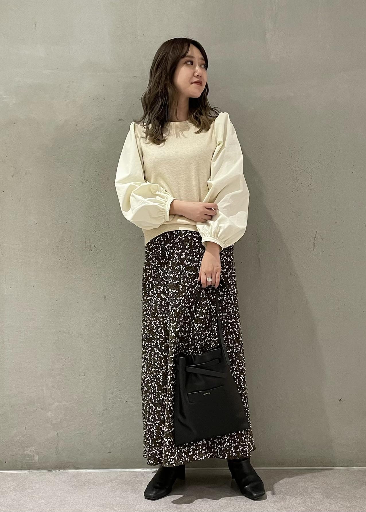 ROPE'の【春まで着られる】異素材コンビボリュームスリーブプルオーバーを使ったコーディネートを紹介します。|Rakuten Fashion(楽天ファッション/旧楽天ブランドアベニュー)1078826