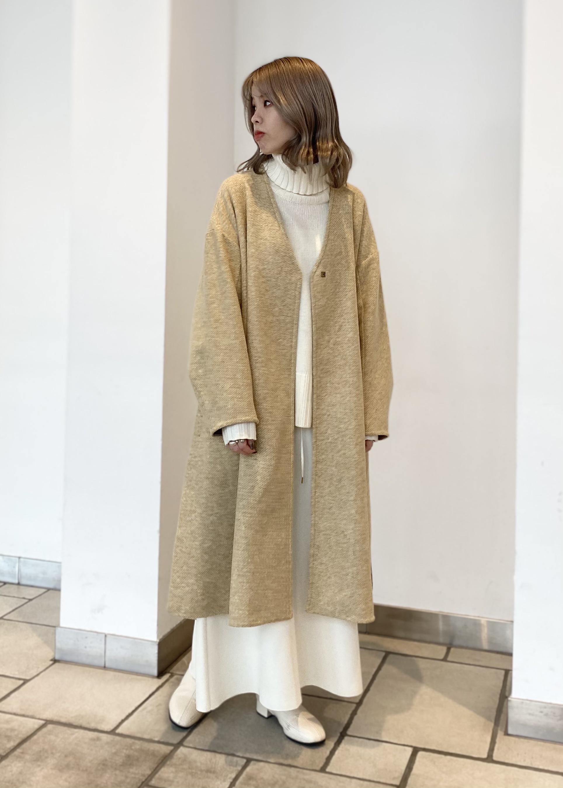 SALON adam et rope'の軽暖Vネックロングコートを使ったコーディネートを紹介します。|Rakuten Fashion(楽天ファッション/旧楽天ブランドアベニュー)1080082